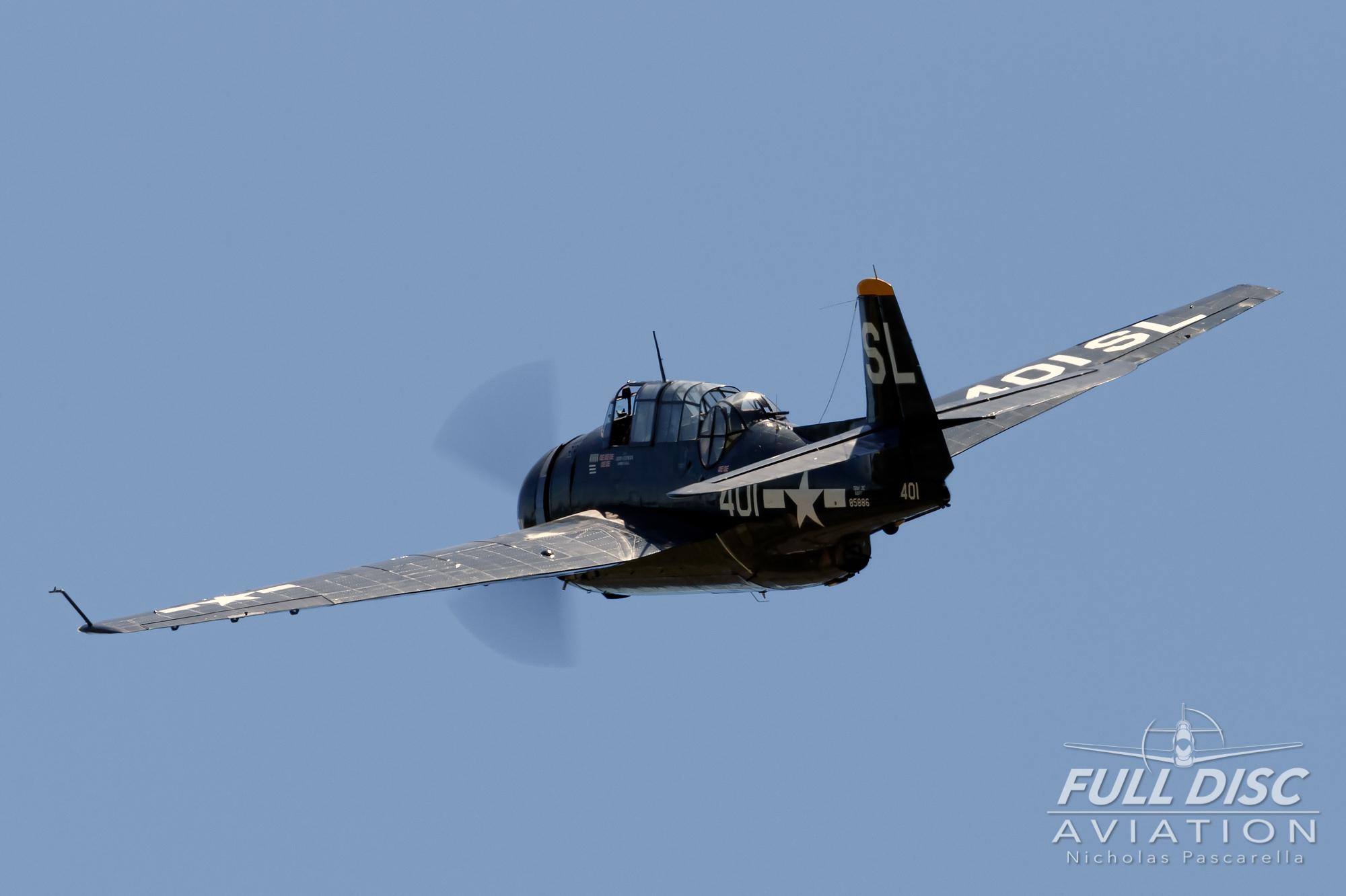americanairpowermuseum_nicholaspascarella_nickpascarella_fulldiscaviation_legendsofairpower2019_aviation_warbird_tbmavenger_banking.jpg