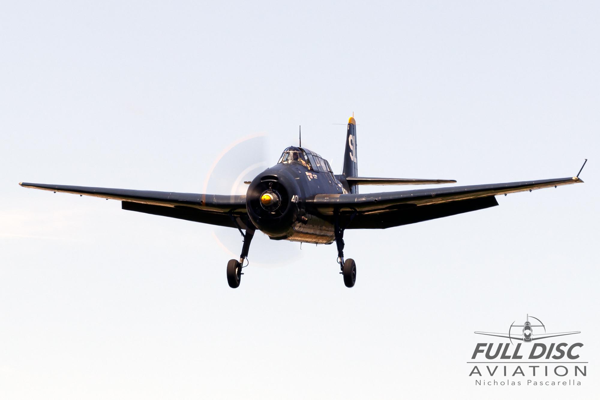 americanairpowermuseum_nicholaspascarella_nickpascarella_fulldiscaviation_legendsofairpower2019_aviation_warbird_tbmavenger_torpedobomber_landing.jpg