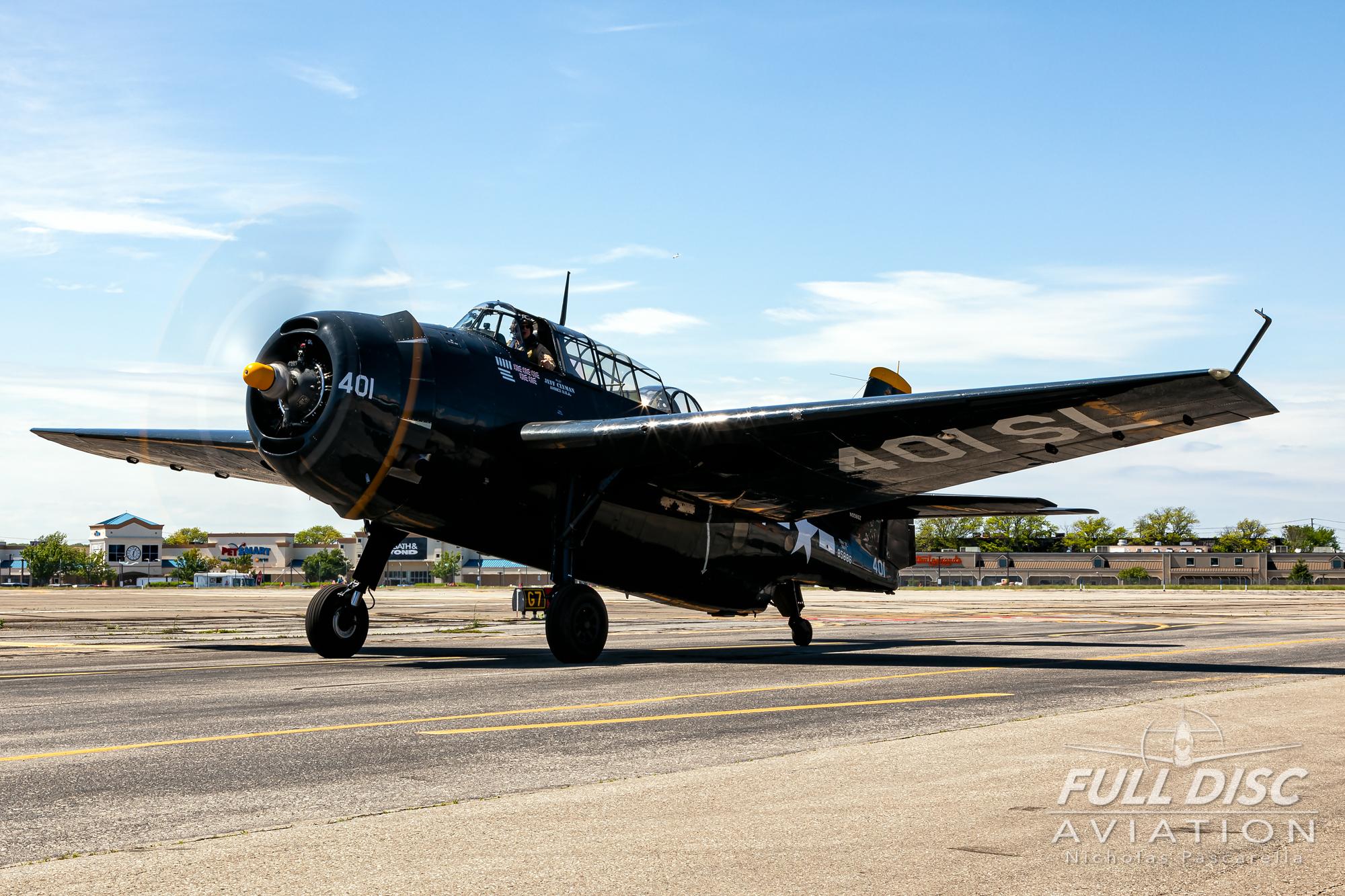 americanairpowermuseum_nicholaspascarella_nickpascarella_fulldiscaviation_legendsofairpower2019_aviation_warbird_tbmavenger_taxi_torpedobomber.jpg