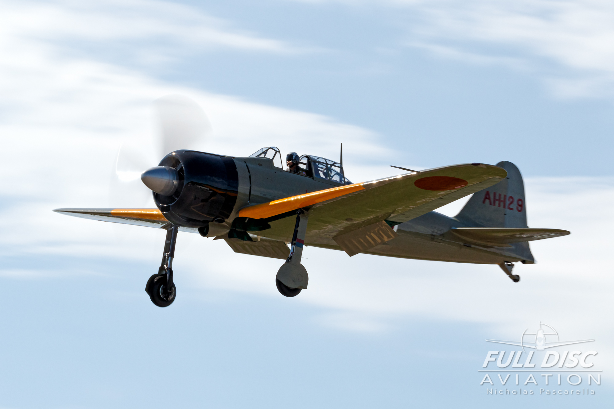 americanairpowermuseum_nicholaspascarella_nickpascarella_fulldiscaviation_legendsofairpower2019_aviation_warbird_zero_japanesezero_zerofighter_landing.jpg