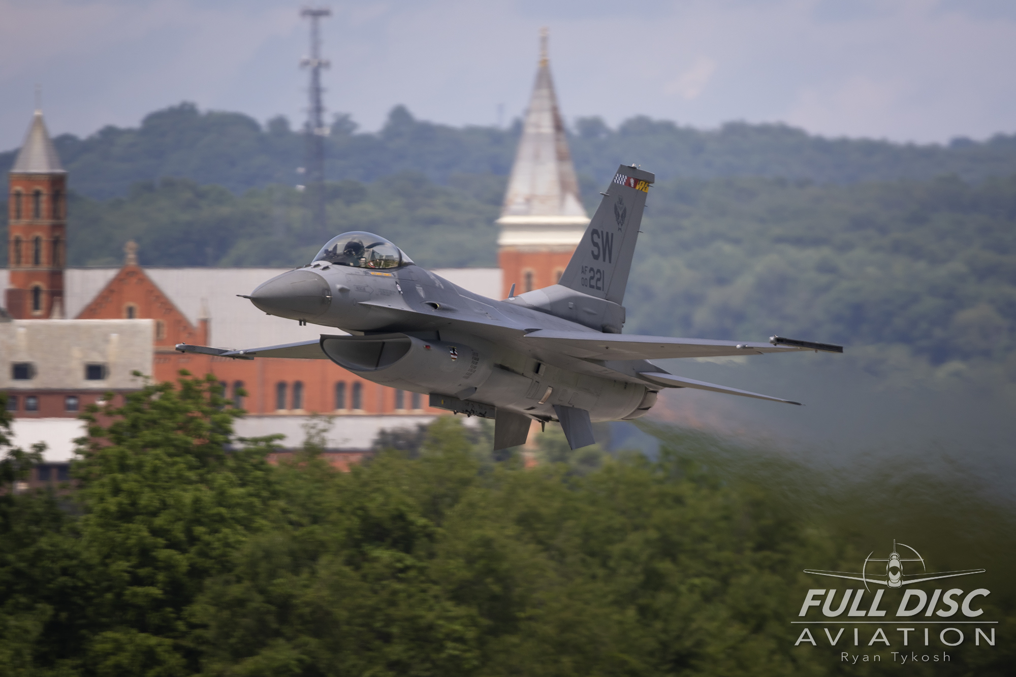 lbe19-fda-rtykosh-f16church.jpg