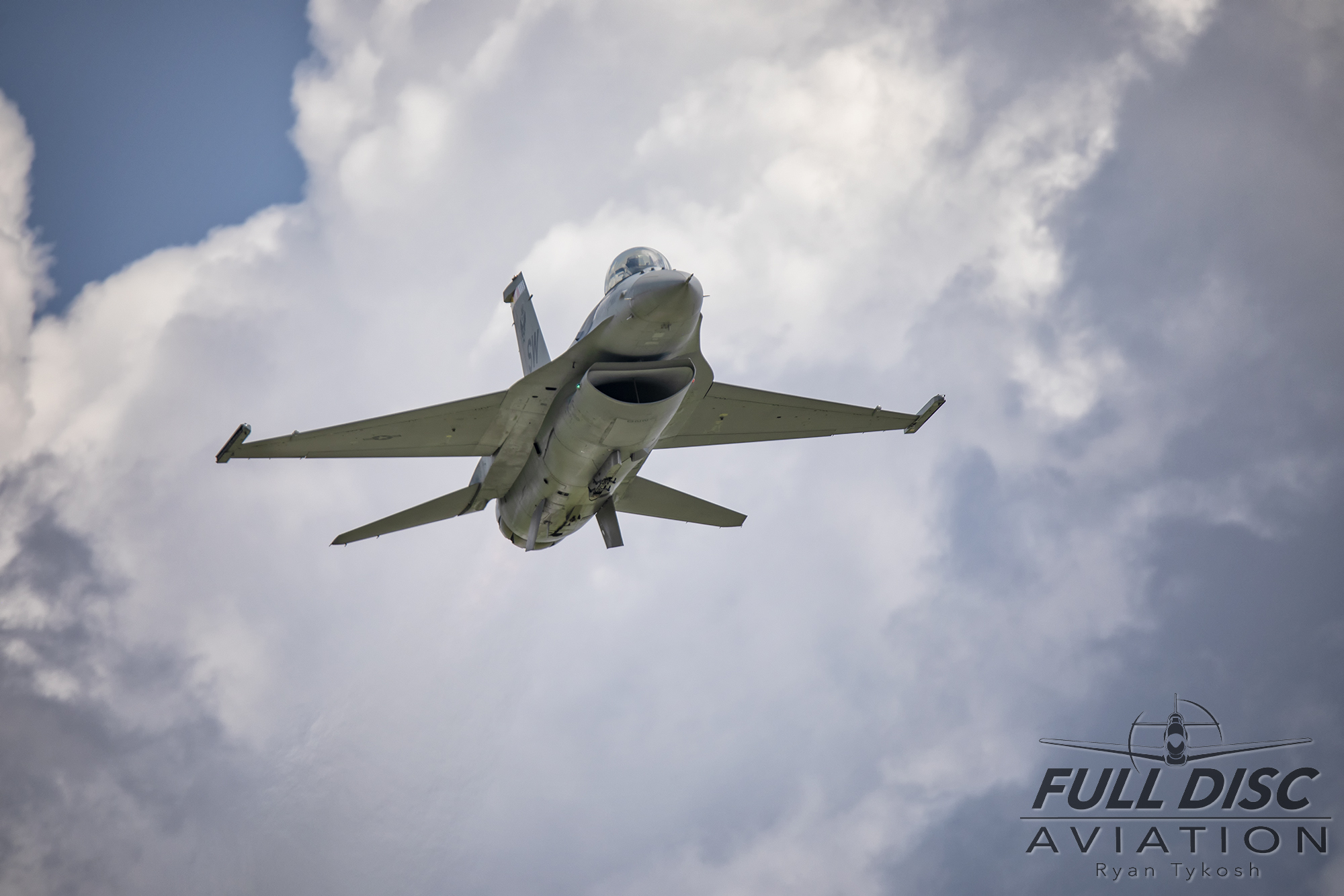 lbe19-fdartykosh-f16clouds.jpg