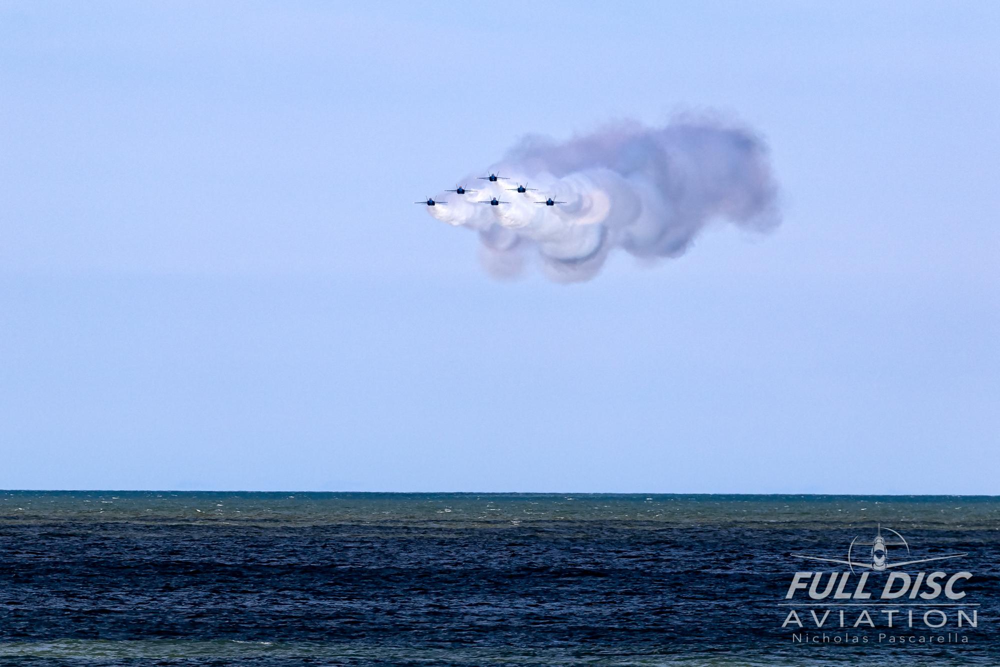 nickpascarella_fulldiscaviation_oceancityairshow_aviation_blueangels_runin.jpg