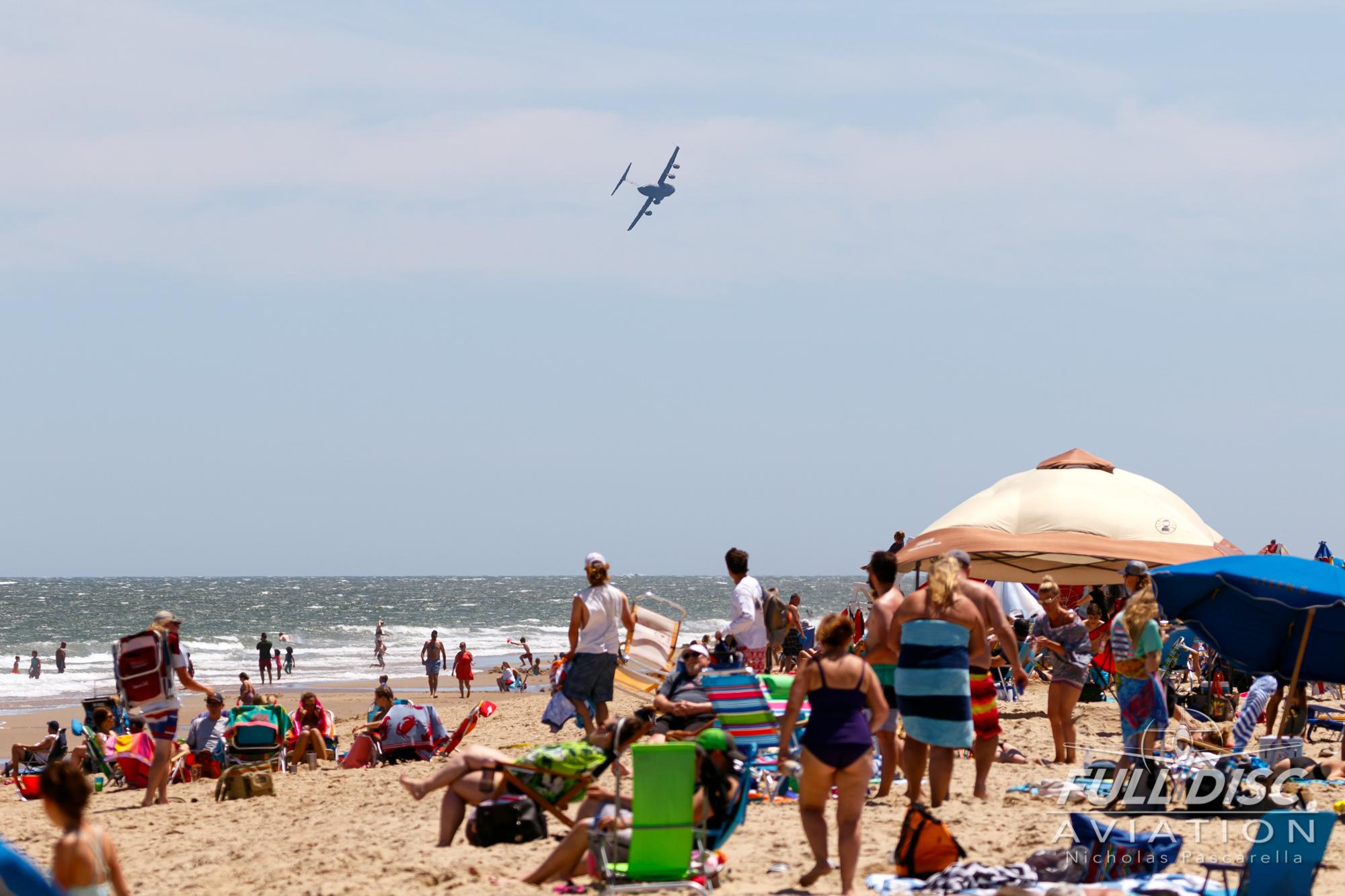 nickpascarella_fulldiscaviation_oceancityairshow_aviation_c17_scene_beach.jpg