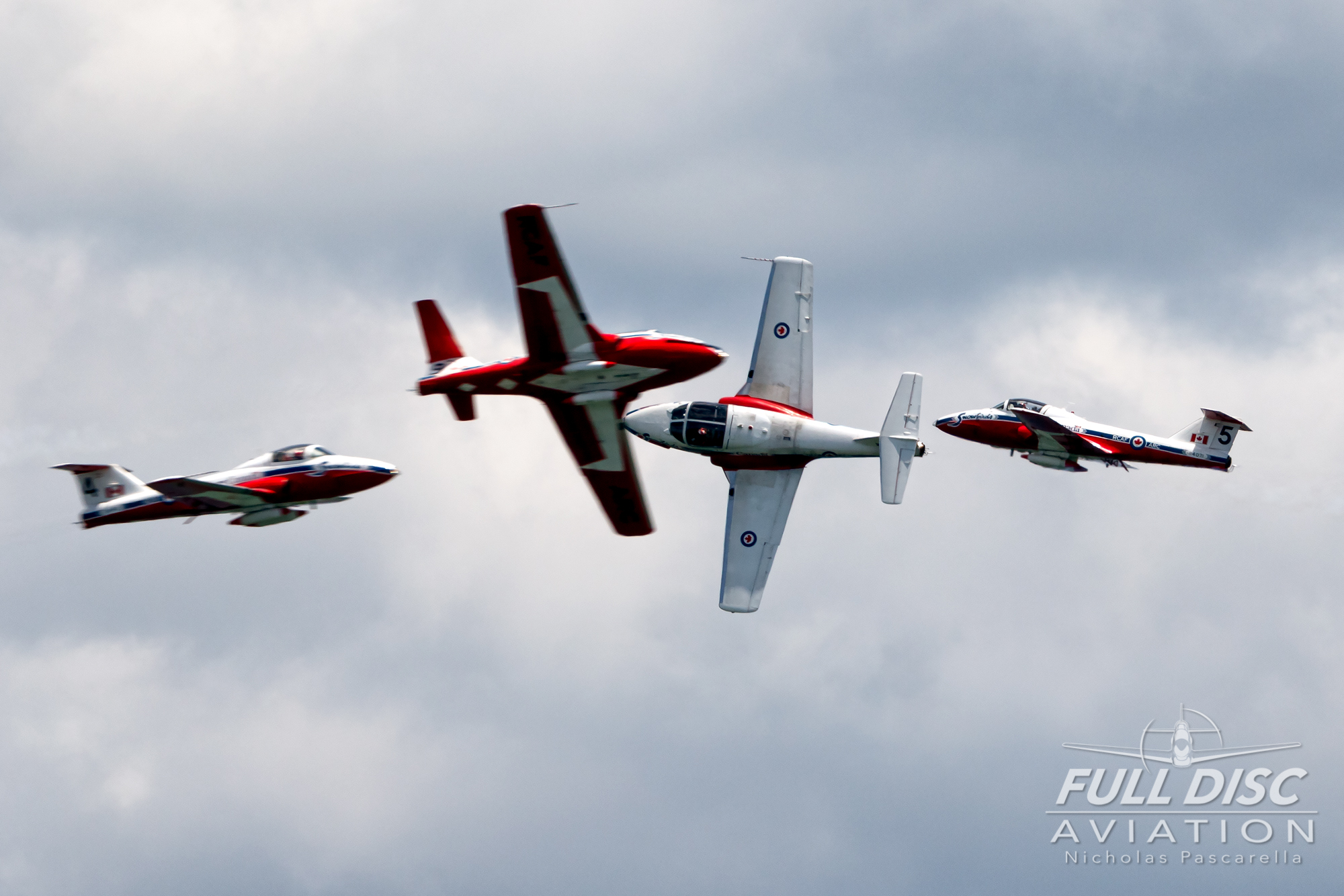 nickpascarella_fulldiscaviation_oceancityairshow_aviation_snowbirds_fourship_cross.jpg