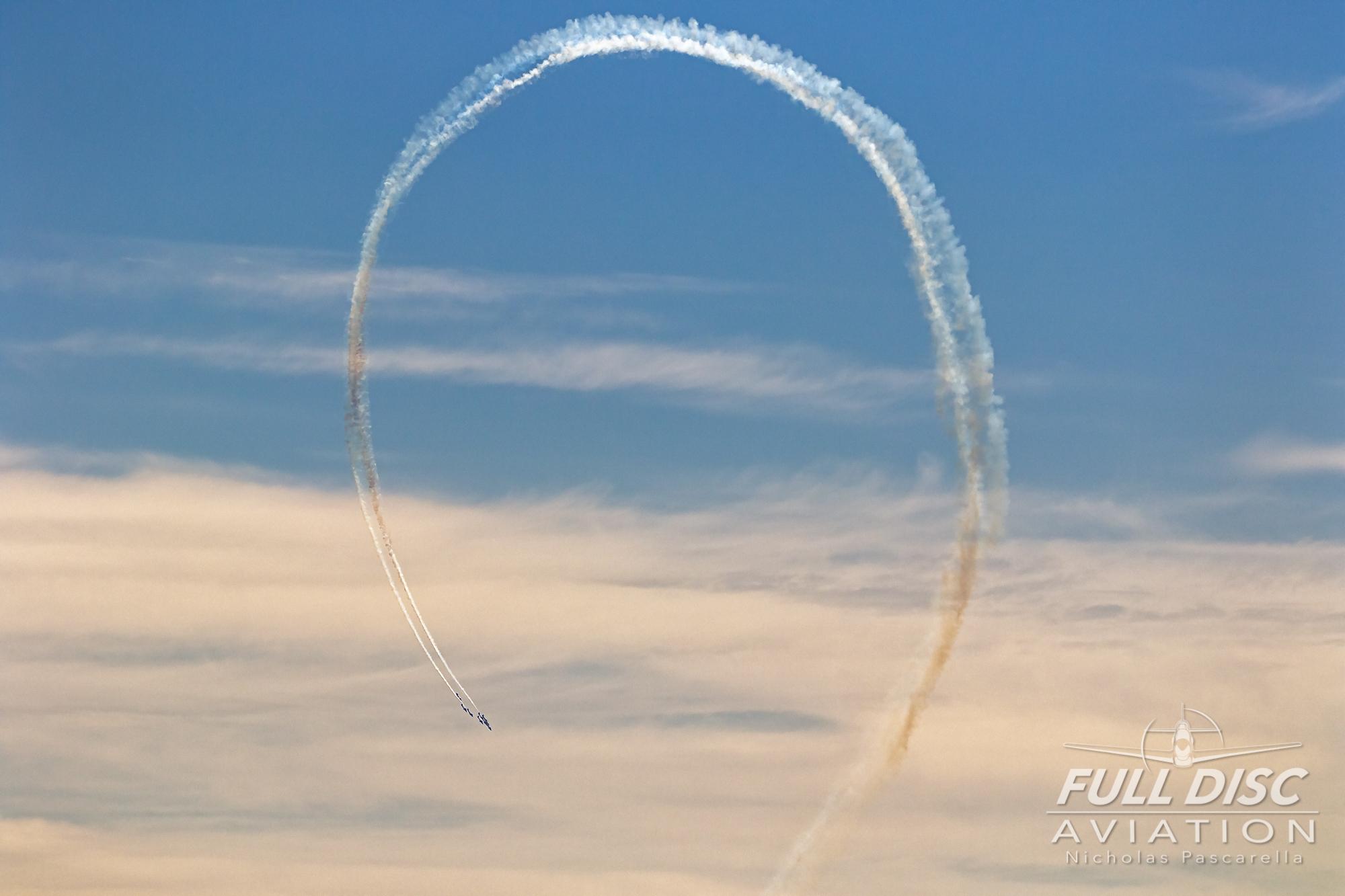 nickpascarella_fulldiscaviation_oceancityairshow_aviation_snowbirdsloop.jpg