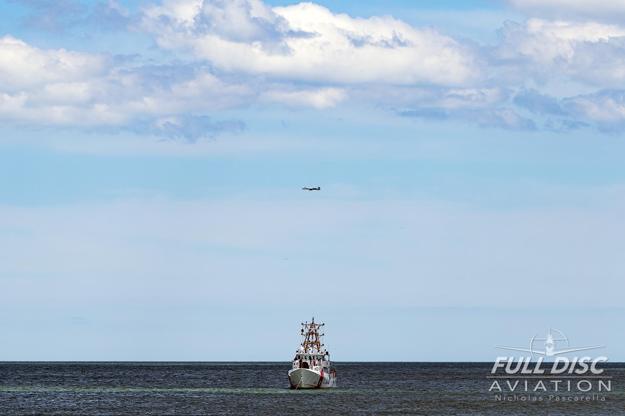 nickpascarella_fulldiscaviation_oceancityairshow_aviation_warthog_scene_coastguard.jpg