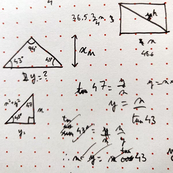 Drawing right-angled triangles