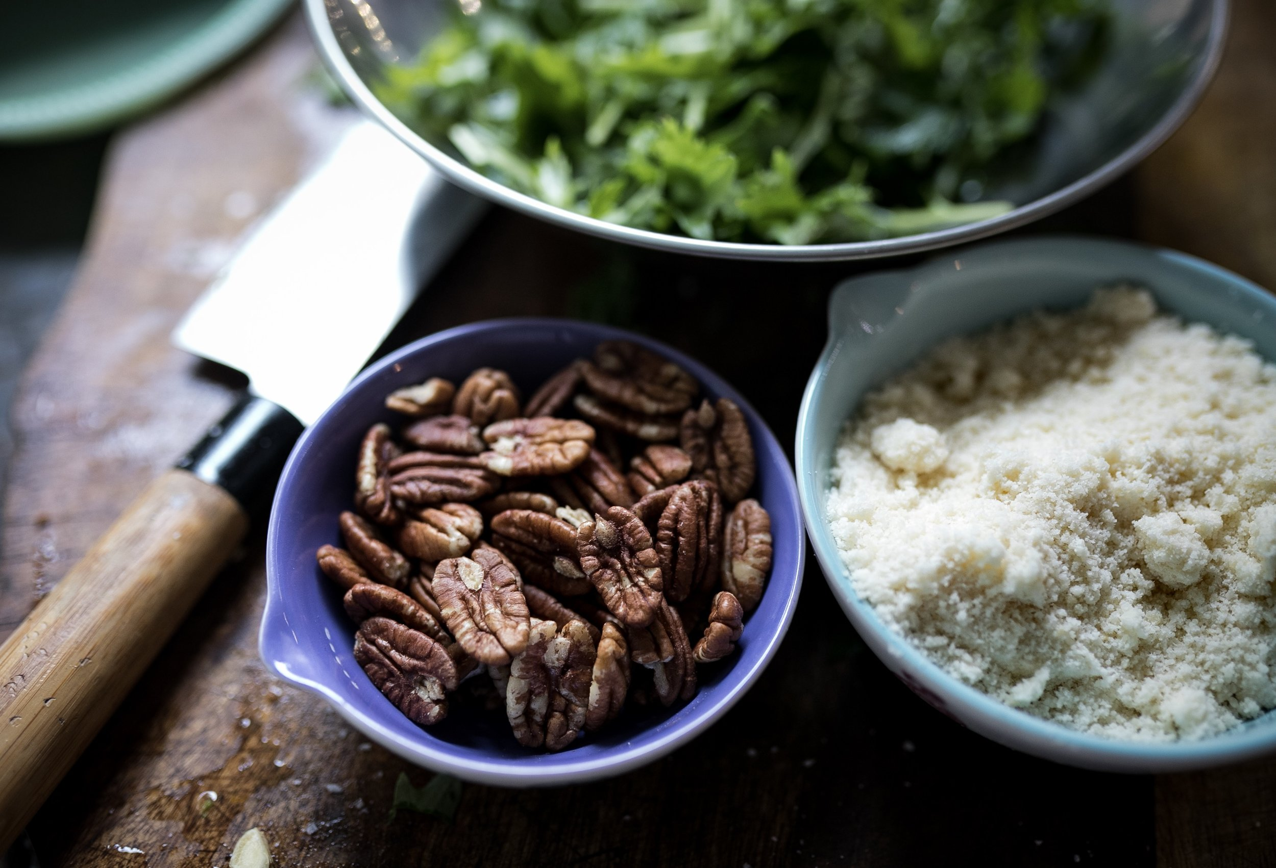 Yum pecans and parmesan - a nice flavor combo