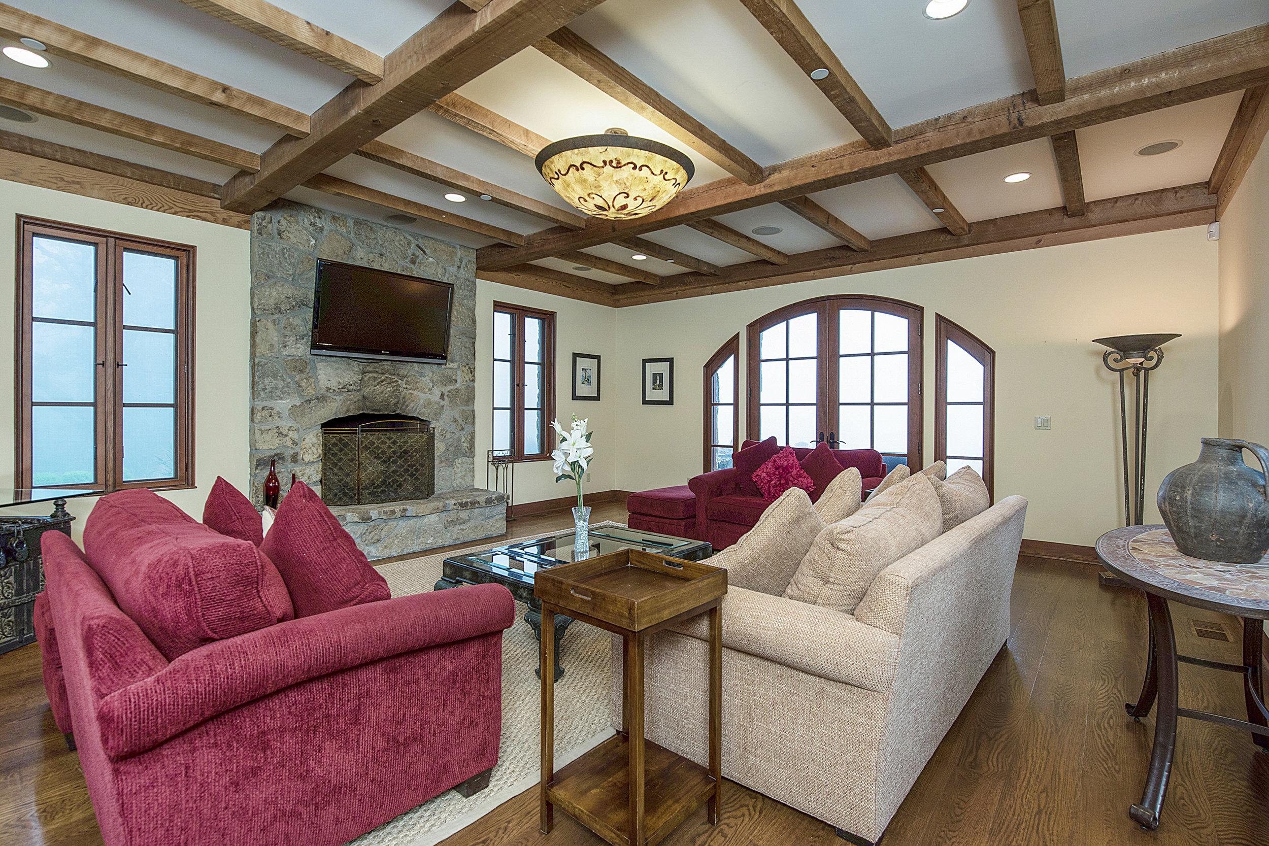 15300_Ida_Clayton Rd_living_room.jpg
