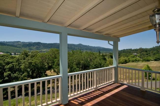Deck_vineyard_views_2.jpg
