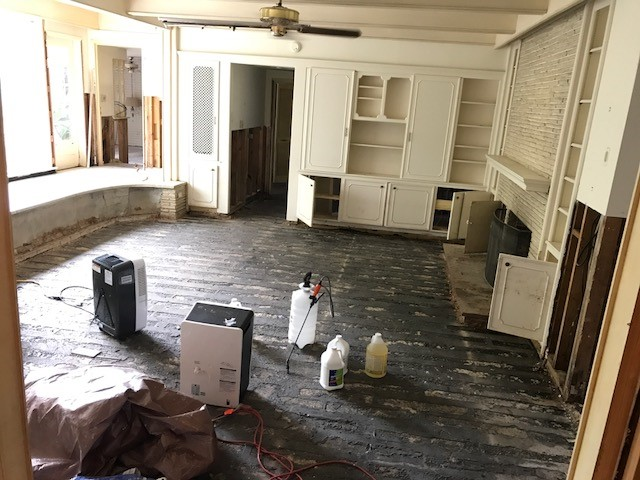 With the help of friends and volunteers, the house was empty in days…