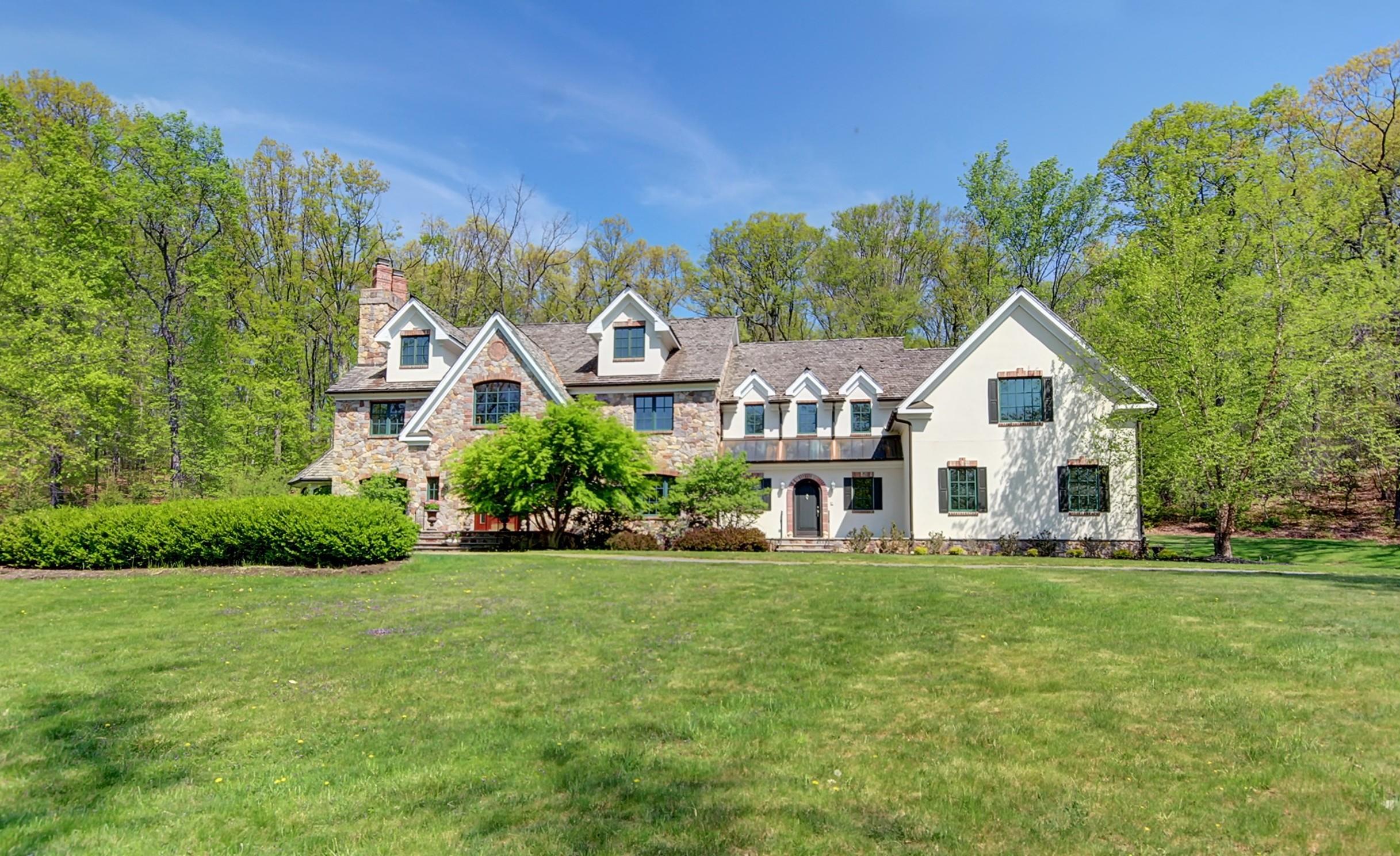 1 Elegant Estate Home in Winston Farm 166544-008  Main cropped.jpg