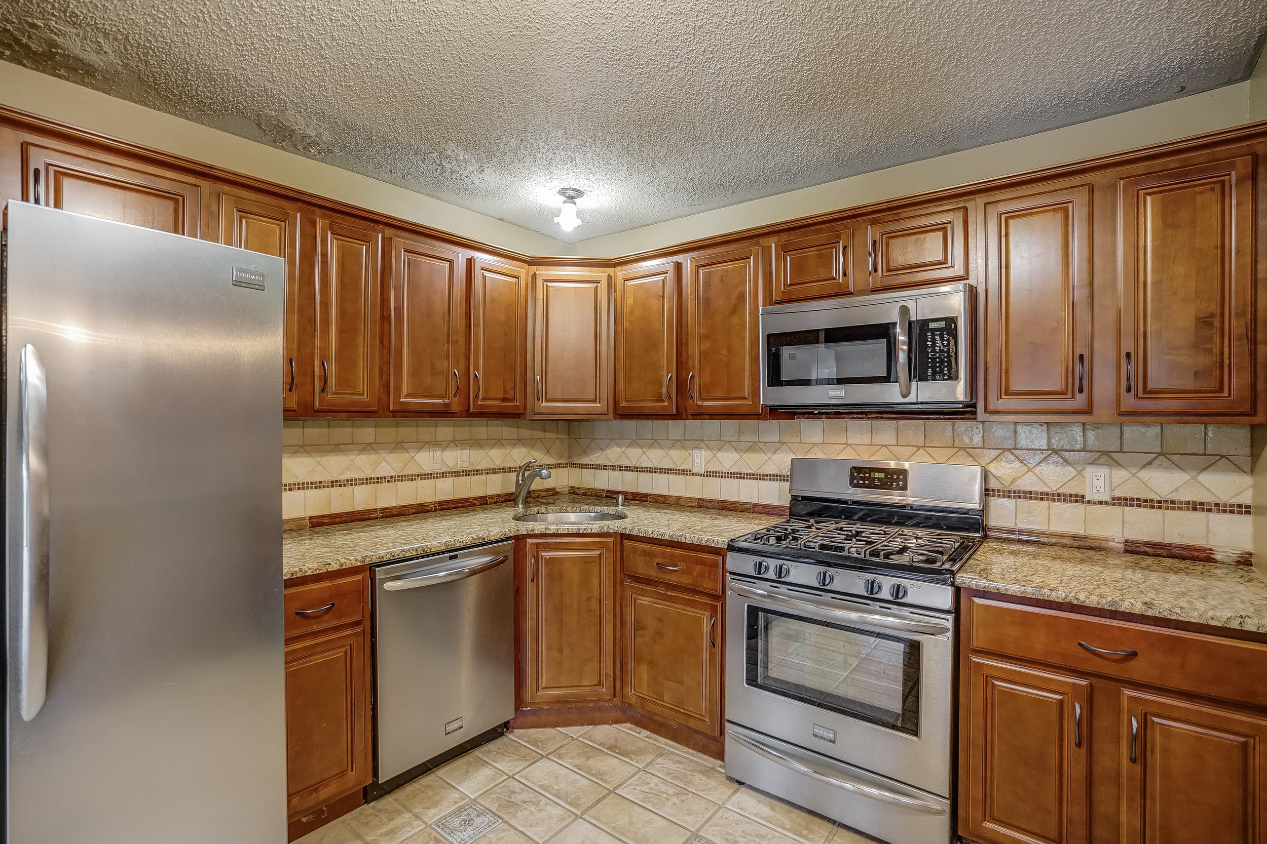 Kitchen - middle right.jpg