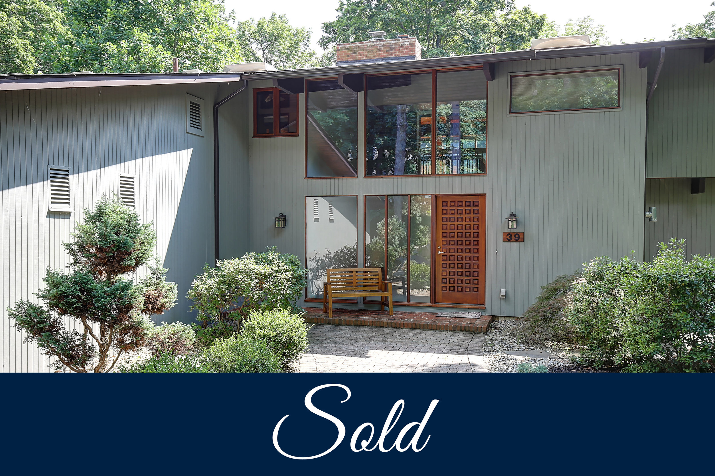 1 Dramatic contemporary retreat on over 3 acres IMG_6357_8_9_sold.jpg