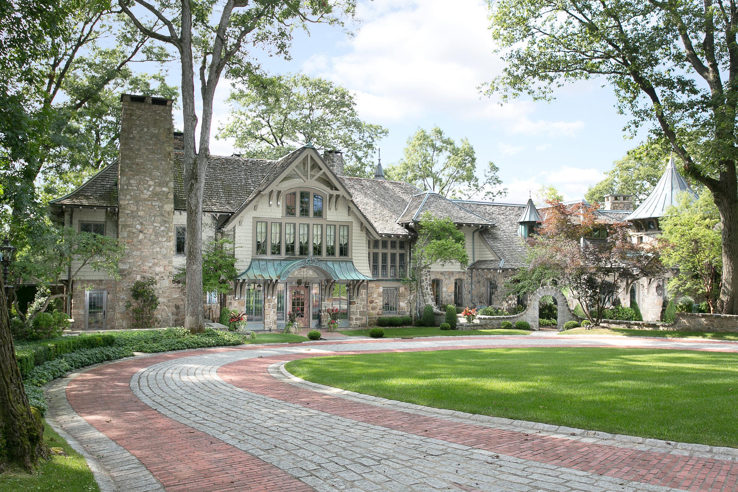 Bernardsville<br>Offered at $6,800,000