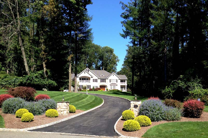Mendham<br>Offered at $1,550,000