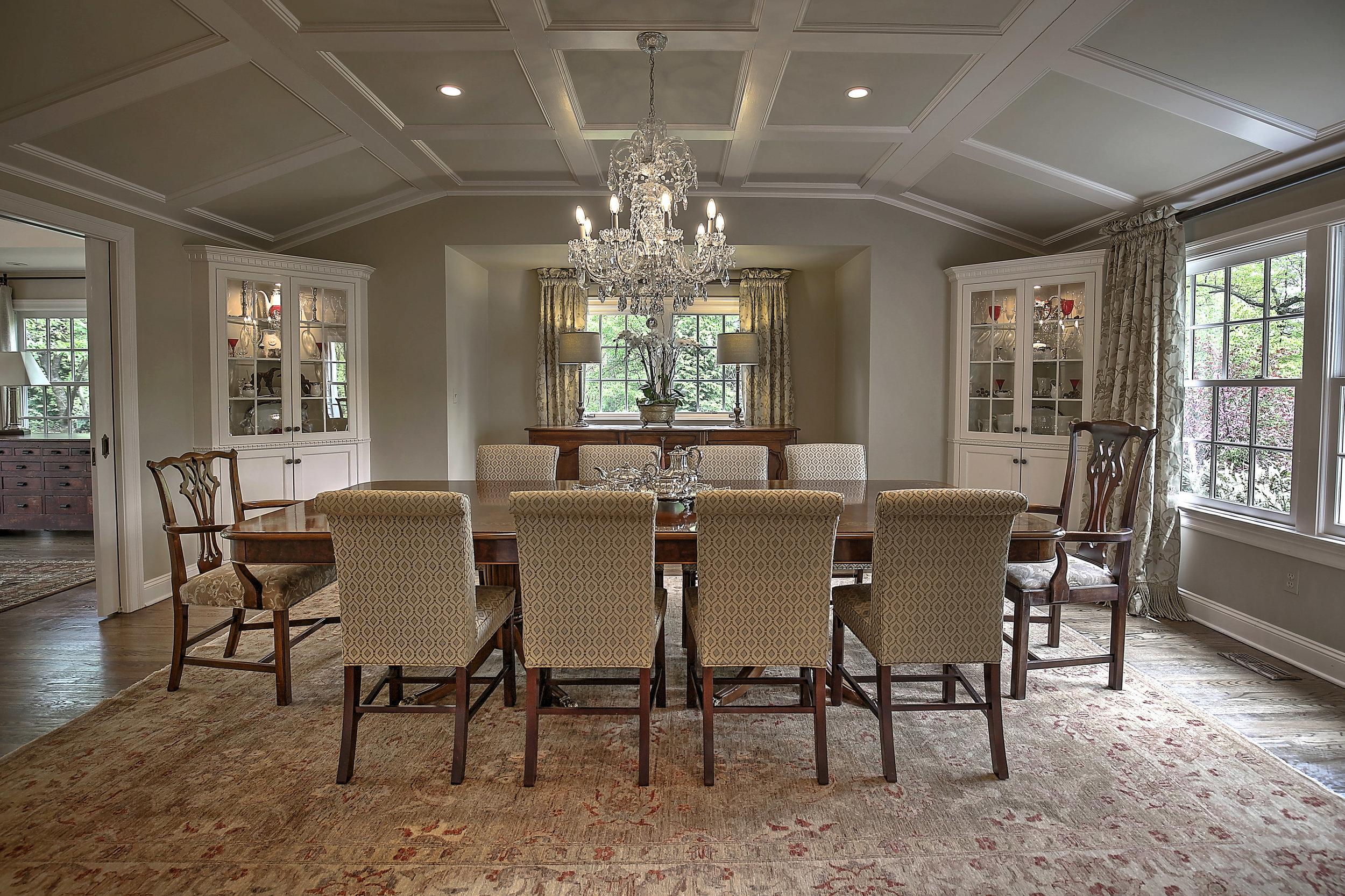 5a Gracious Dining Room 4Z5A1393_4_5_6_7_8_tonemapped copy.jpg