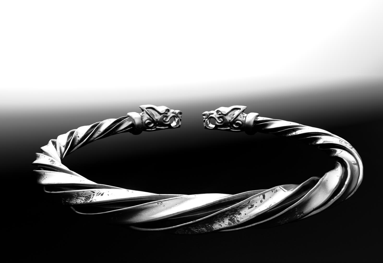 VK bracelet3.jpg