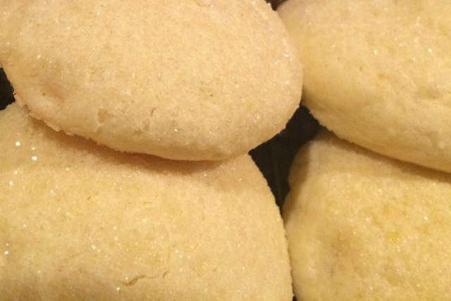 sparkly gluten-free lemon cookies on A Raisin & A Porpoise