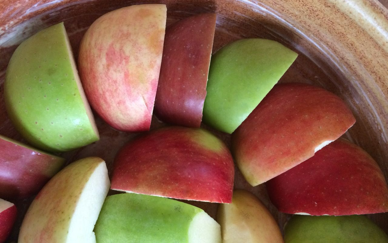unbaked apples