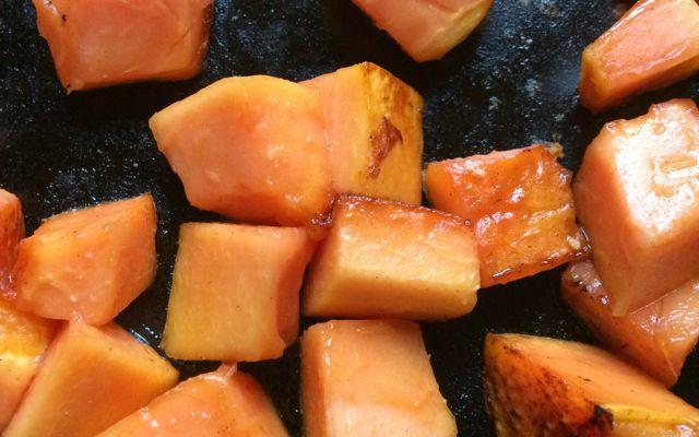 papaya sald with queso presco & fresh mint | a raisin & a porpoise
