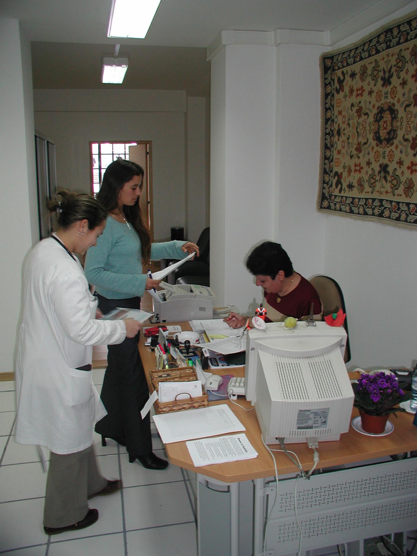 20-03-gabinete-de-secretariado-aefml-2002.jpg