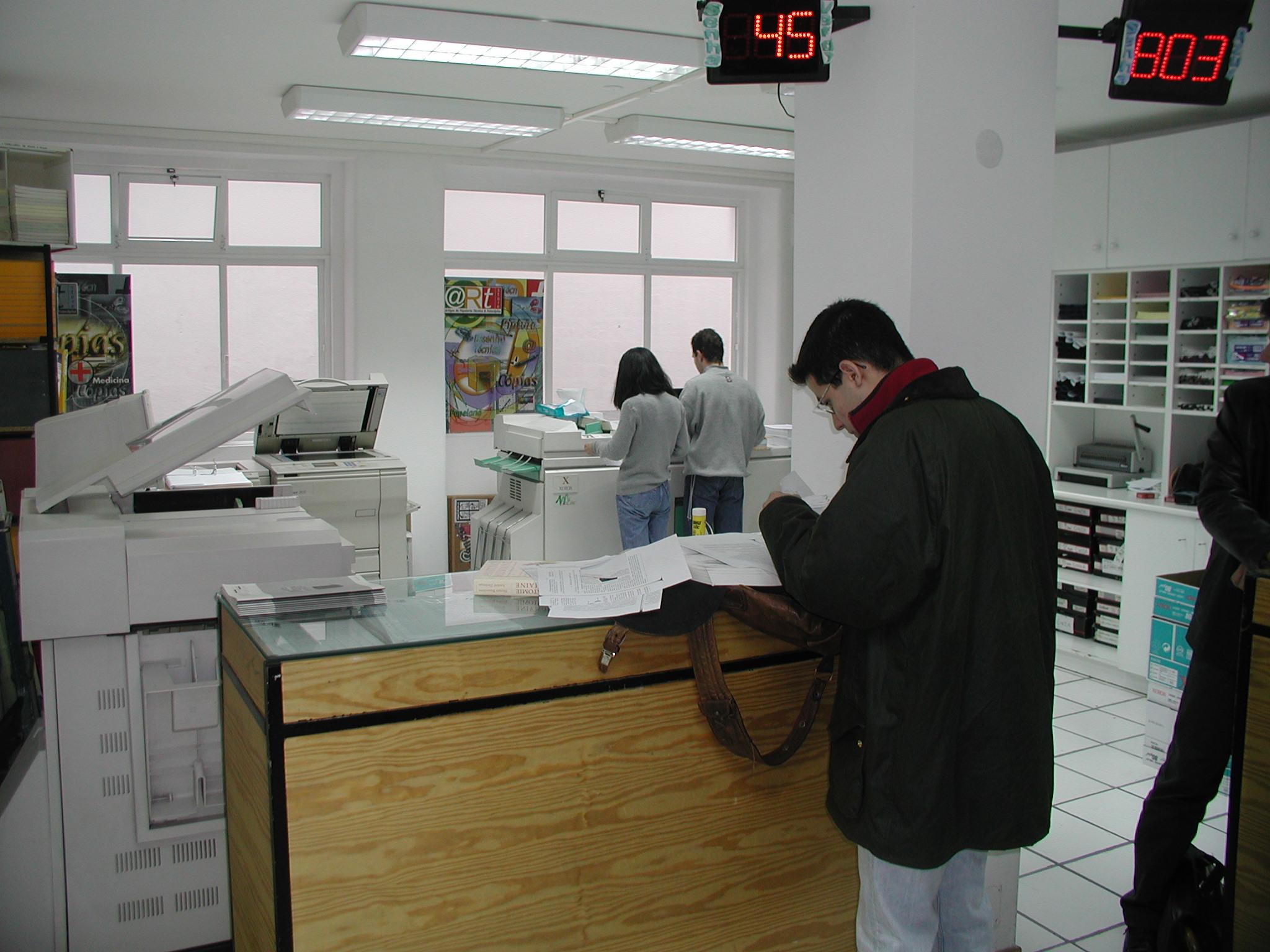 29-02-reprografia-artstore-2003.jpg