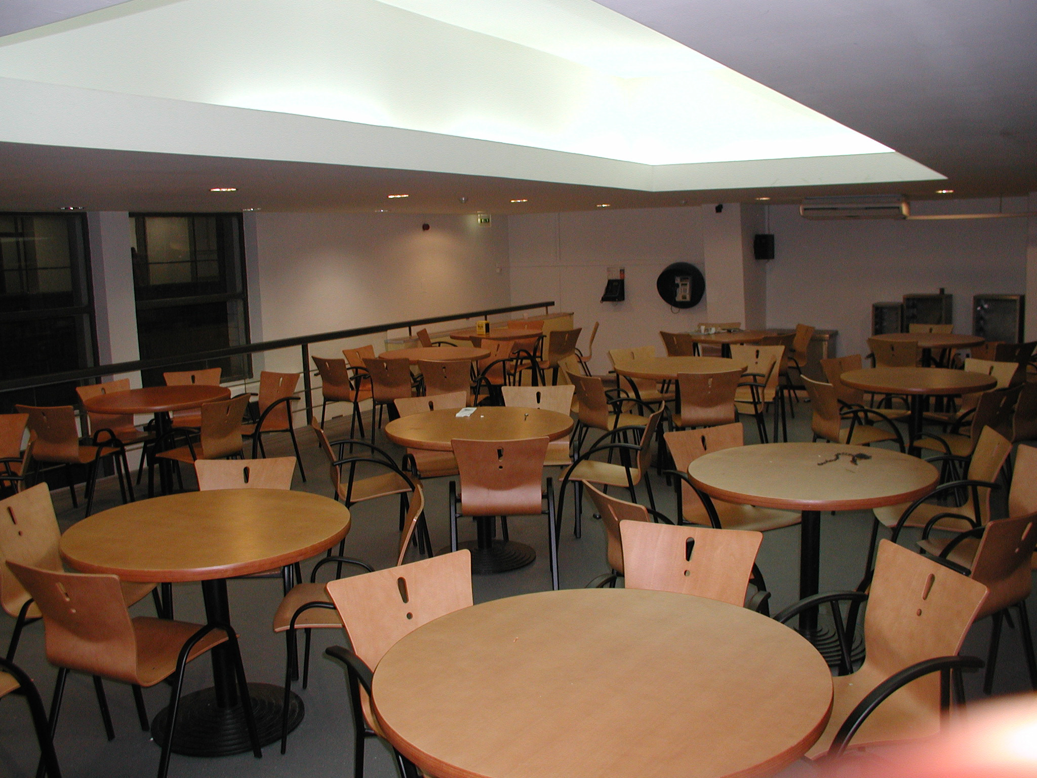 30-11-sala-de-alunos-aefml-2003.jpg