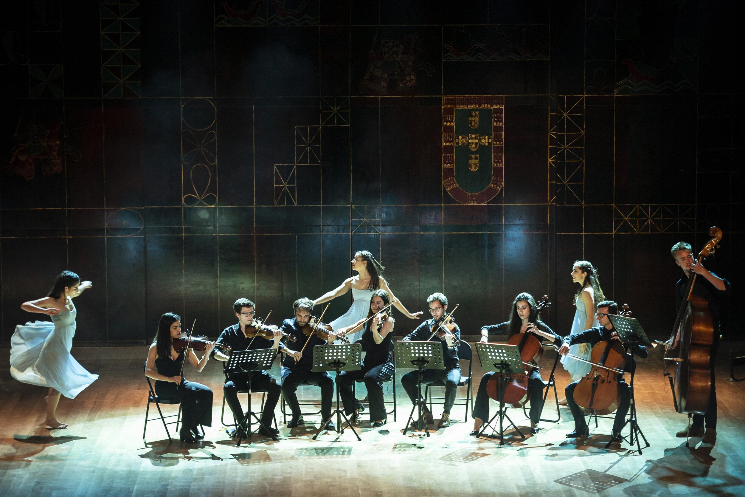 """Atuação de Dança e Música do XXVI Sarau Cultural AEFML - """"O Primeiro Cí"""