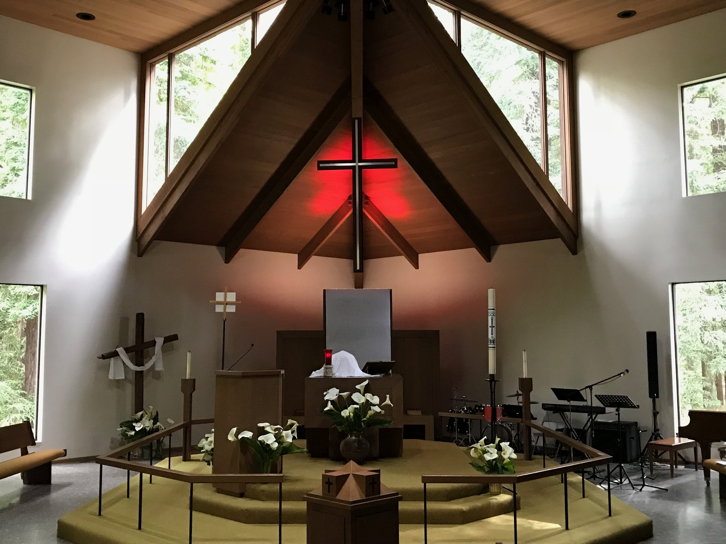 LCA Altar – Easter 2018.JPG