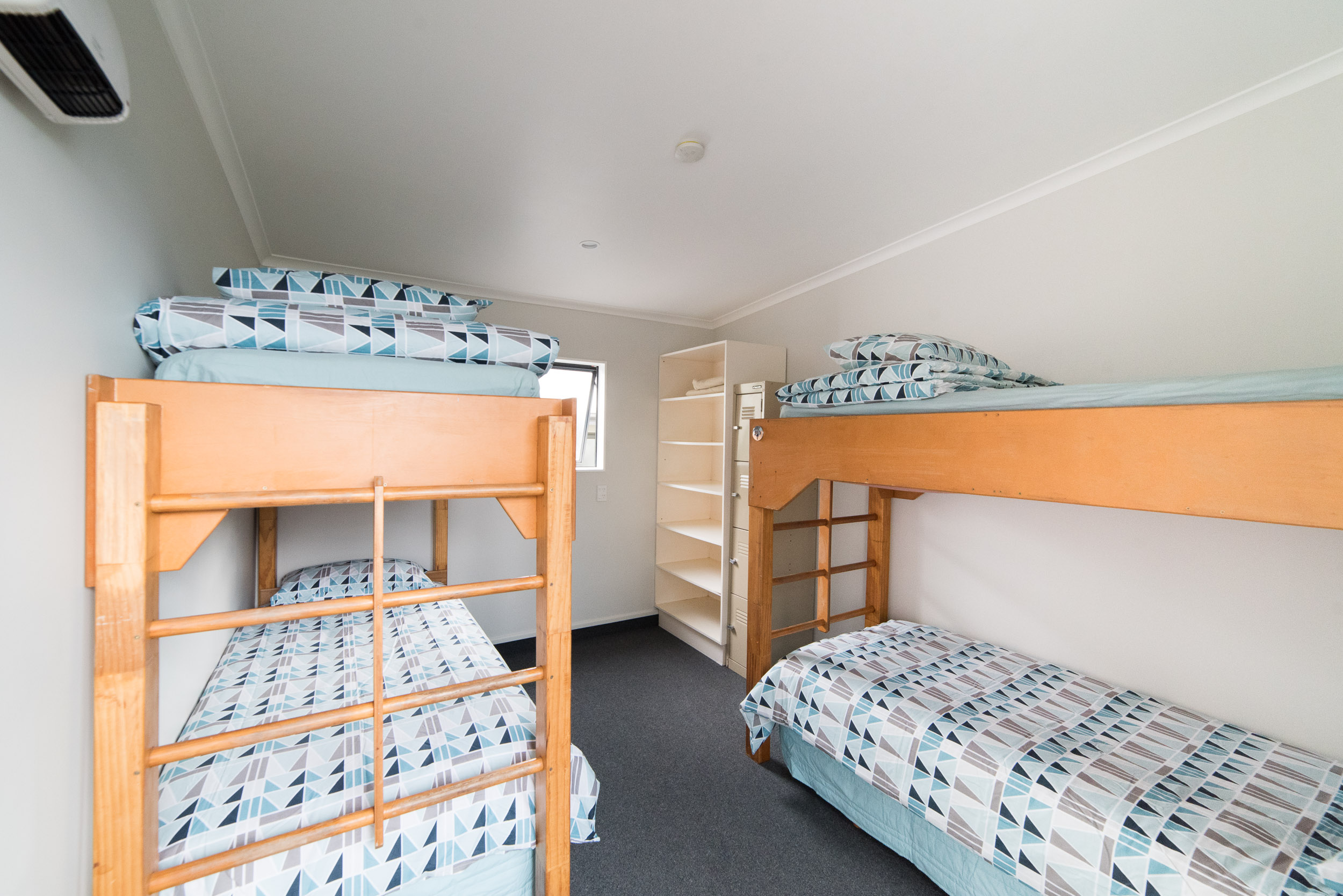 hastings-backpackers-dorm