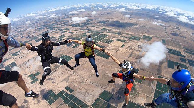 Campfires & Friends 🔥 . . . #kuafam #family #skydiving #skydiver #skydivers #letsjump #campfire #headup #newjerseys #brand #kuaclothing #kuasky #skydivearizona #AZ #skydiveAZ #blueskies #boogieseason #dropzonelife #dzlife #arizona