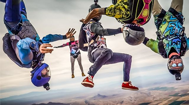 Mixed rounds with friends is our definition of a good time. . . . #kuafam #family #skydiving #skydiver #skydivers #letsjump #mockup #newjerseys #brand #kuaclothing #kuasky #sundayreminders #travel #travelmore #skydivearizona #AZ #skydiveAZ #blueskies #sweetdreams #skydivingtrip #boogieseason #dropzonelife #dzlife #arizona