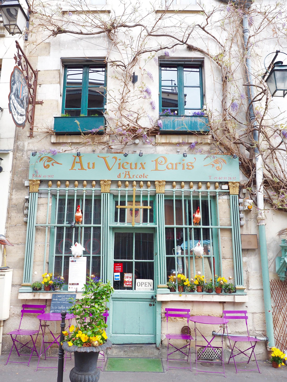 Experience Paris like a local.
