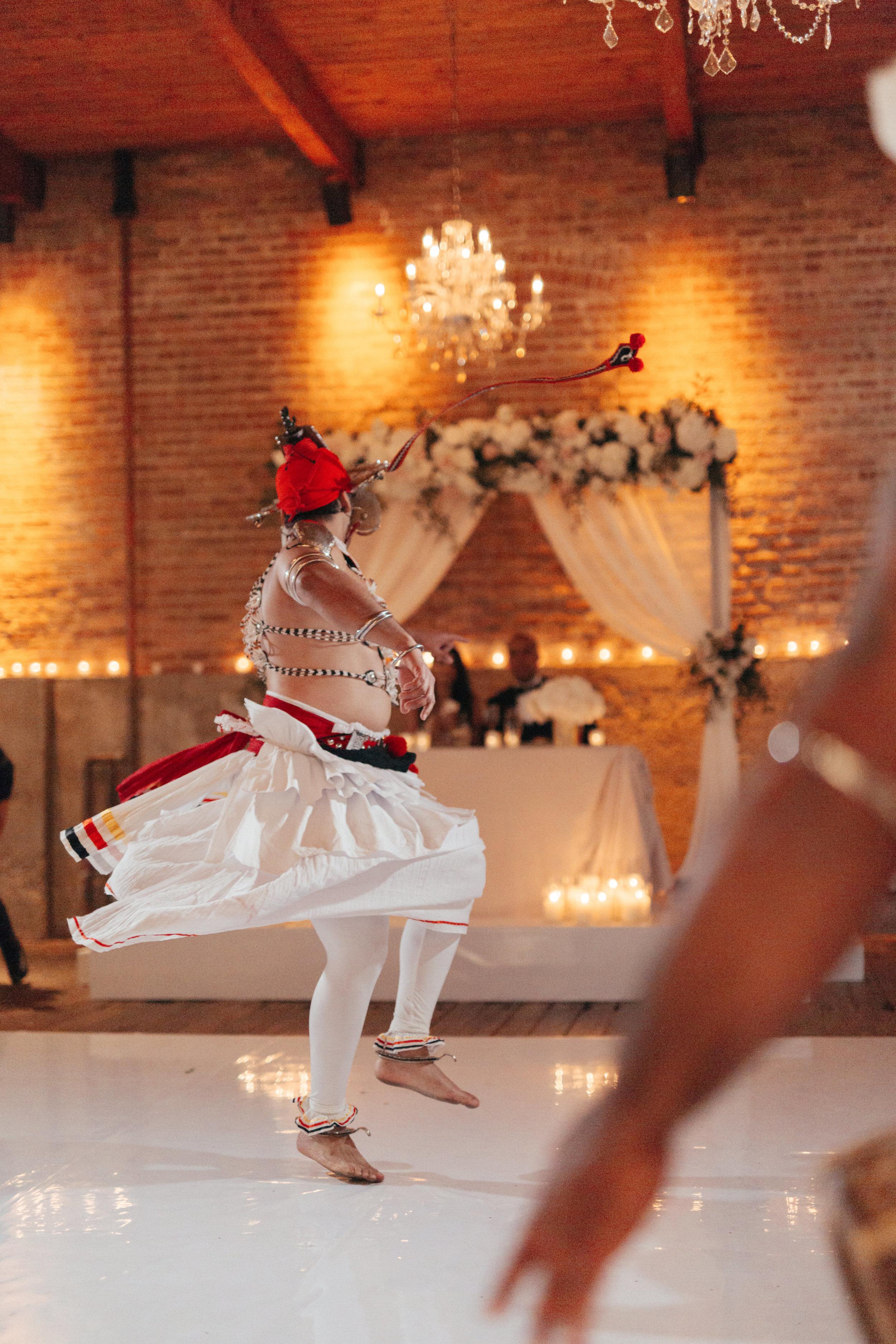 Mindy&Jared-wedding-by-LadiesAndGentlemen-by-Matija-Vuri-4949.jpg