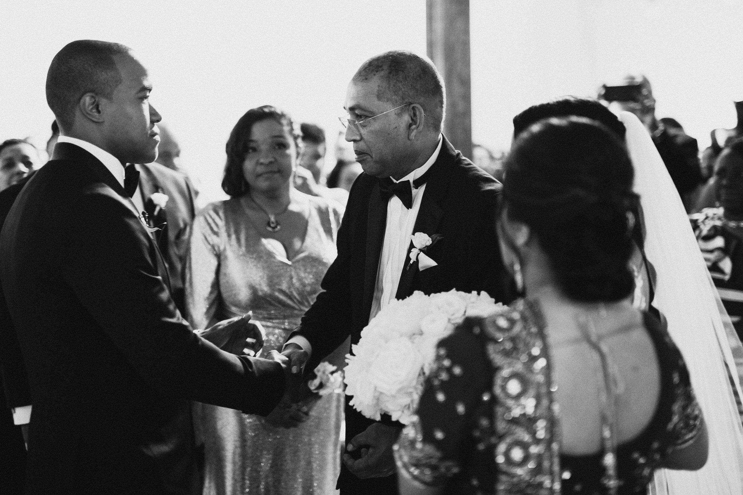 Mindy&Jared-wedding-by-LadiesAndGentlemen-by-Matija-Vuri-3365.jpg