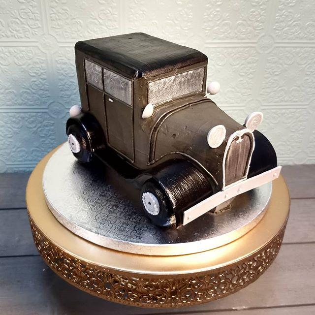 This #ford Model A cake was super fun! #nofondant