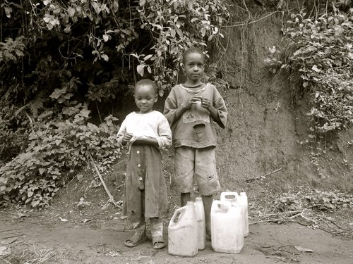 Girls+fetching+water.jpg