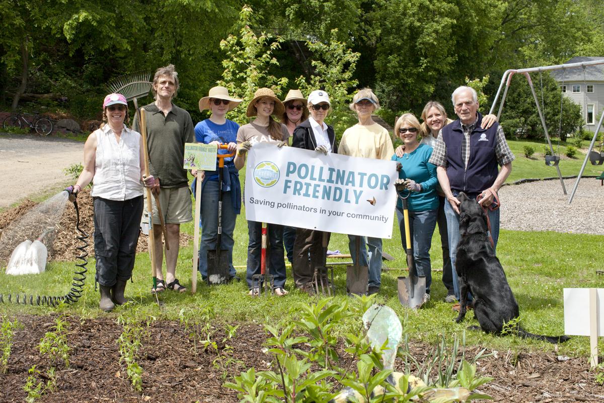 volunteer gardeners.jpg
