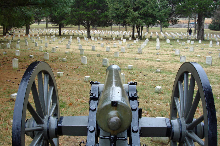 Stones River National Cemetery. Photo by  Hal Jespersen .