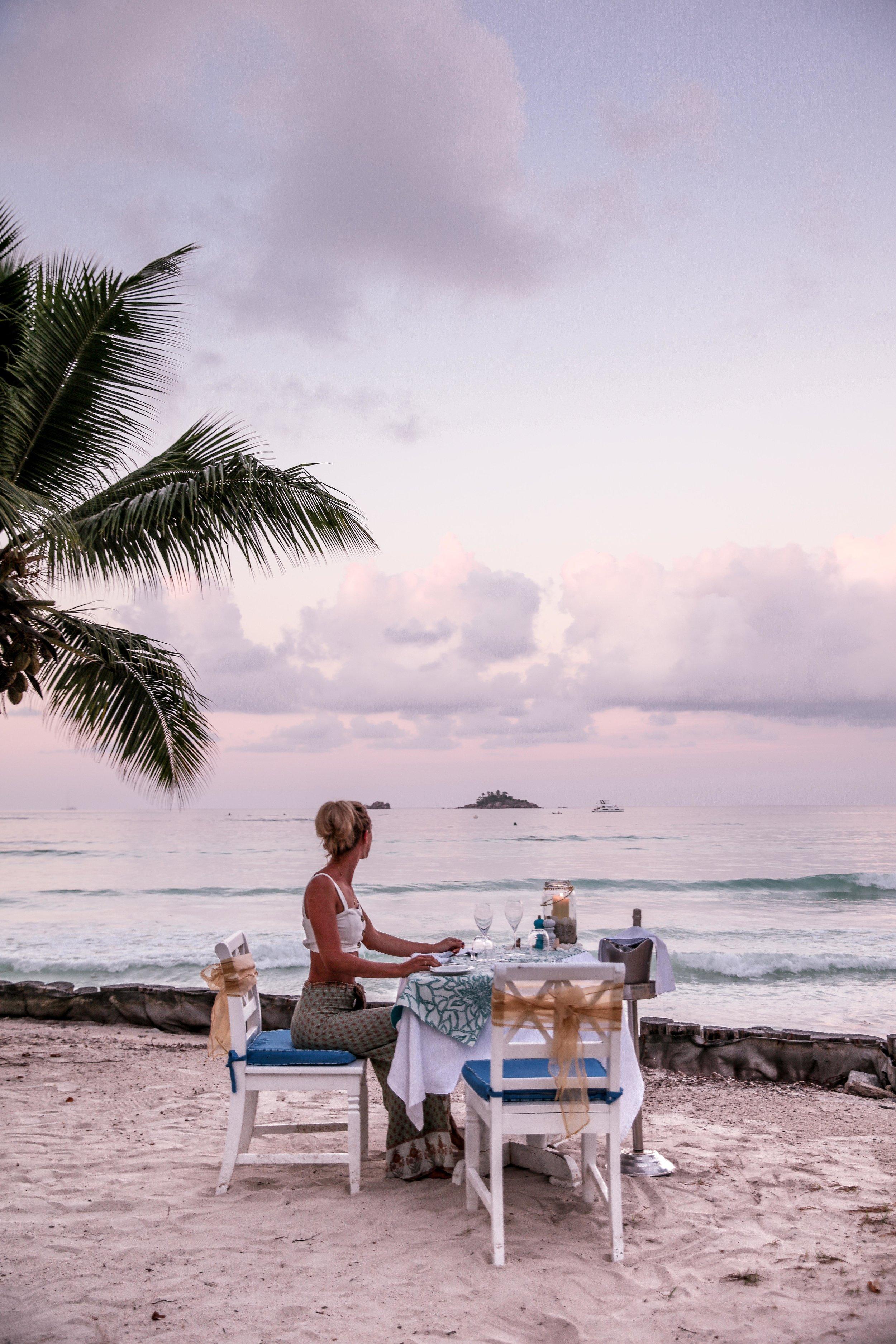 Sunset dinner - Paradise Sun