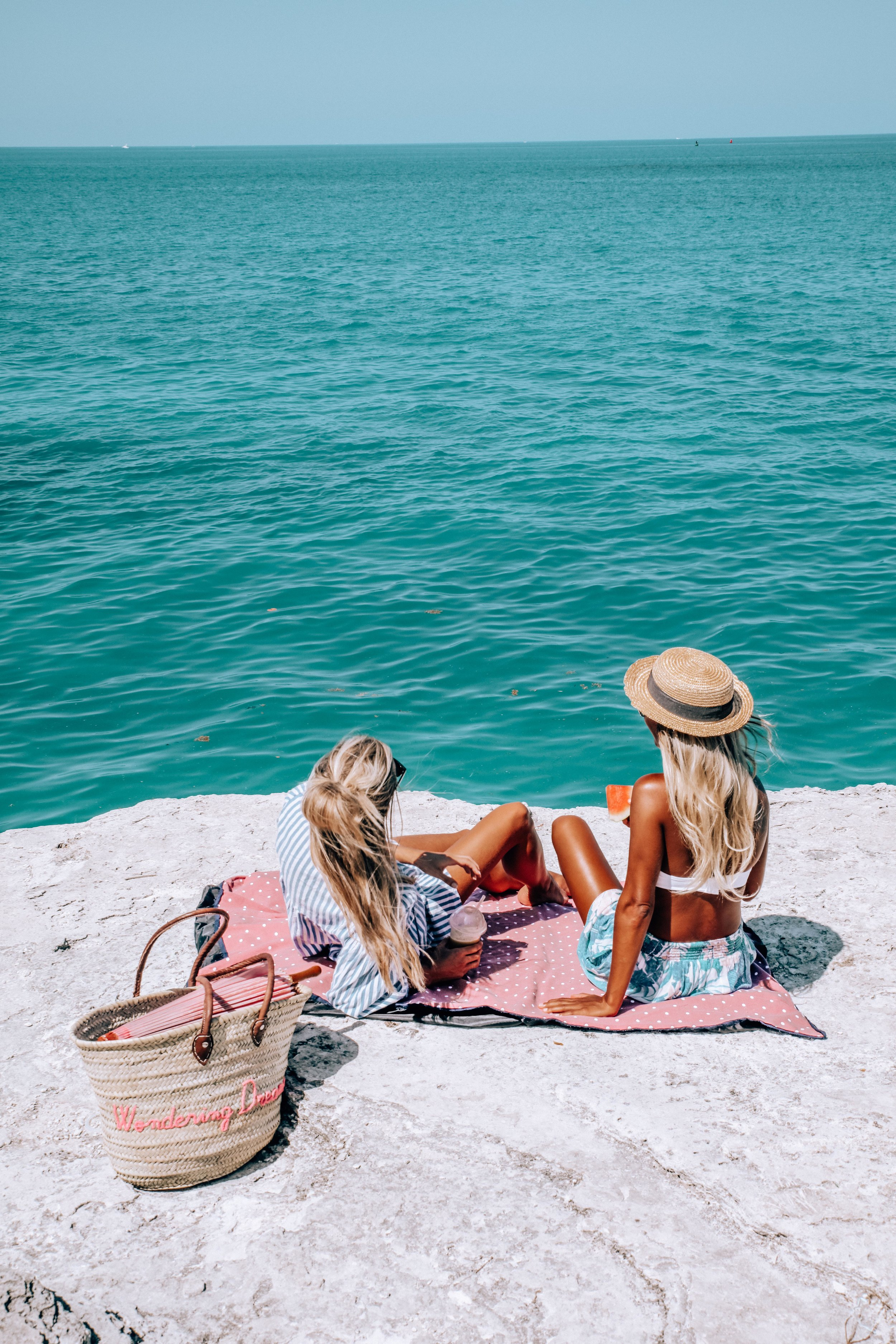 Picnic Spot - Picnic with my lovely friend @rachelsawden - a Bermudian Blogger and photo taken by @james.doughty, a local Bermudian photographer.