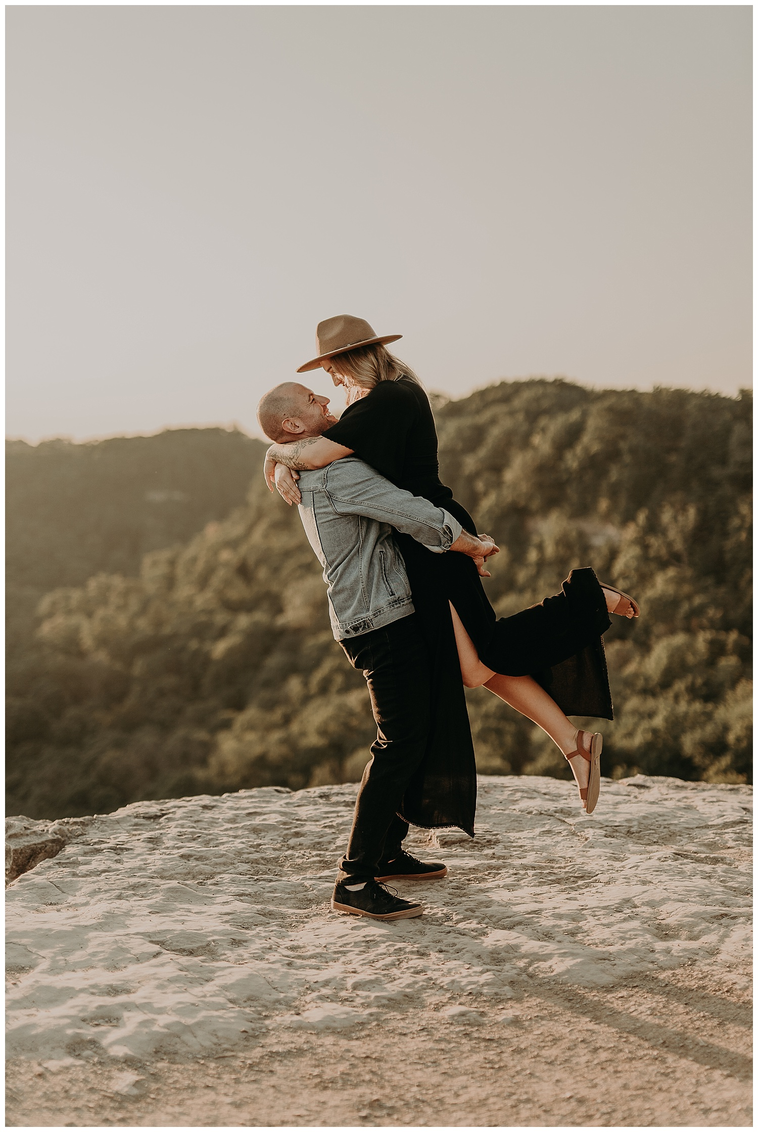 Katie Marie Photography | Hamilton Ontario Wedding Photographer | Hamilton Engagement Session | HamOnt | Dundas Peak Proposal_0026.jpg