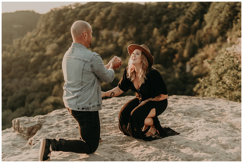 Katie Marie Photography | Hamilton Ontario Wedding Photographer | Hamilton Engagement Session | HamOnt | Dundas Peak Proposal_0044.jpg