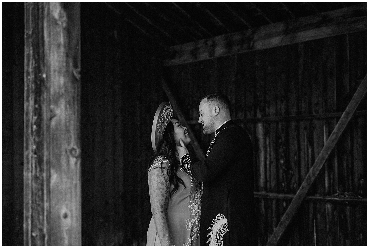 Katie Marie Photography | Hamilton Ontario Wedding Photographer | Hamilton Engagement Session | HamOnt | Vietnamese Engagement Session | Traditional Outfit Engagement Session | Dundurn Castle_0008.jpg
