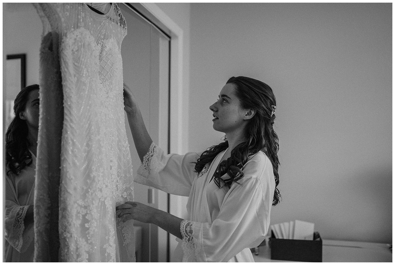 Katie Marie Photography | Hamilton Ontario Wedding Photographer | Ancaster Mill Winter Wedding | Oakville Conference Centre Wedding | RBG Wedding | Royal Botanical Gardens Wedding_0019.jpg