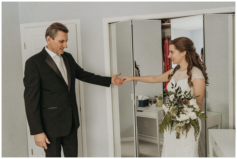 Katie Marie Photography | Hamilton Ontario Wedding Photographer | Ancaster Mill Winter Wedding | Oakville Conference Centre Wedding | RBG Wedding | Royal Botanical Gardens Wedding_0038.jpg