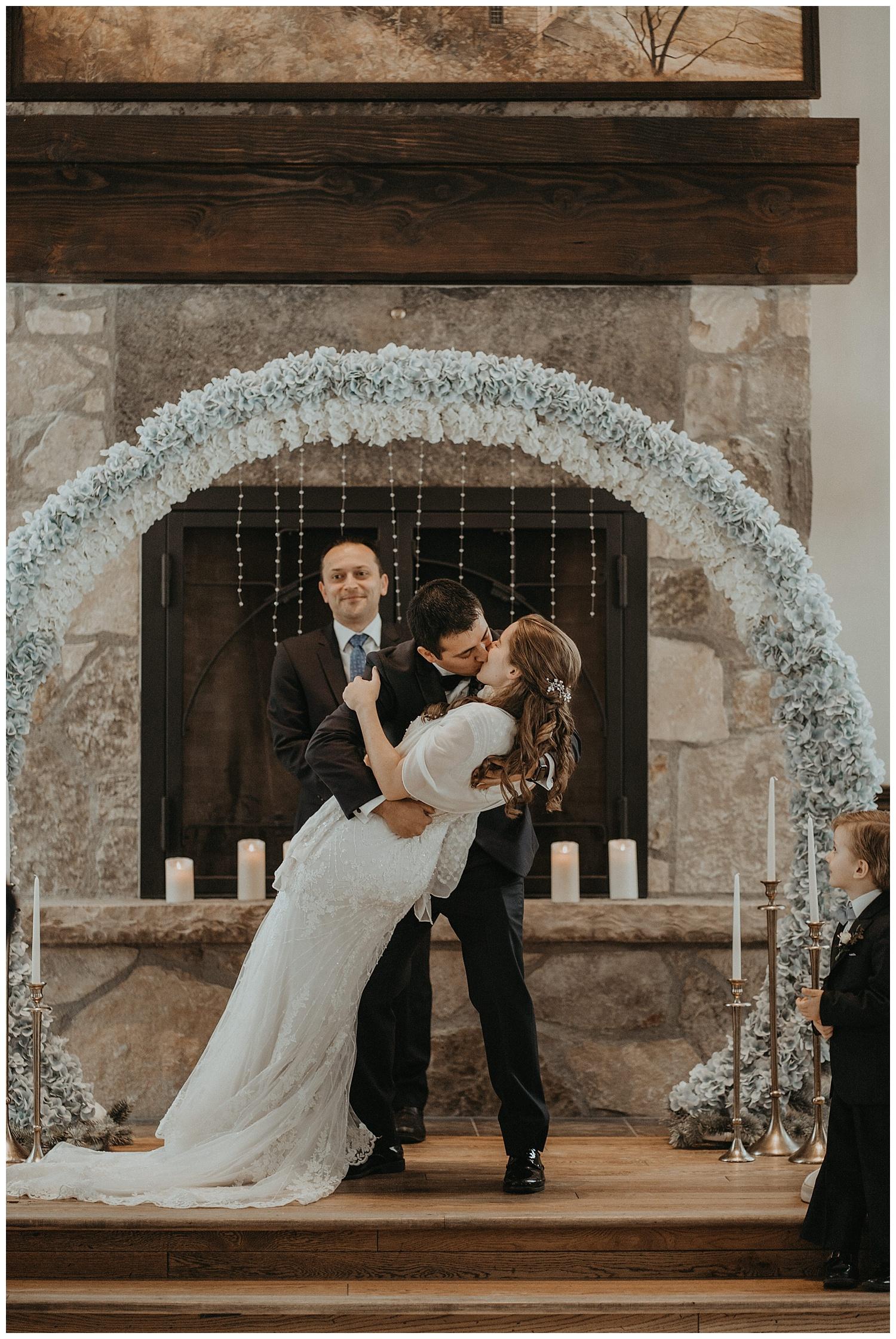 Katie Marie Photography | Hamilton Ontario Wedding Photographer | Ancaster Mill Winter Wedding | Oakville Conference Centre Wedding | RBG Wedding | Royal Botanical Gardens Wedding_0150.jpg