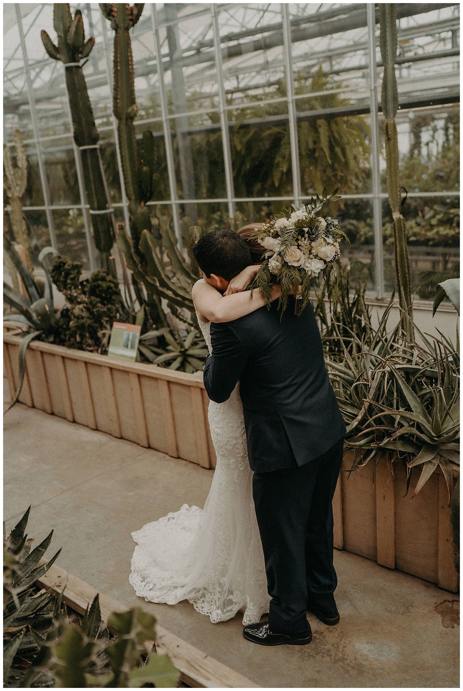 Katie Marie Photography | Hamilton Ontario Wedding Photographer | Ancaster Mill Winter Wedding | Oakville Conference Centre Wedding | RBG Wedding | Royal Botanical Gardens Wedding_0218.jpg
